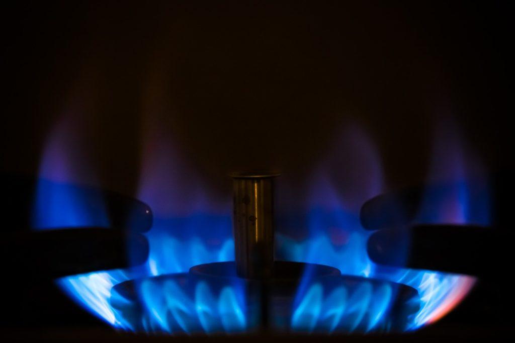 プロパンガスを使用しているガスコンロの炎
